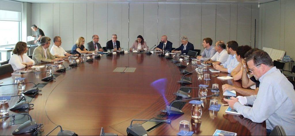 visita-comision-infraestructuras-puerto-barcelona2-min