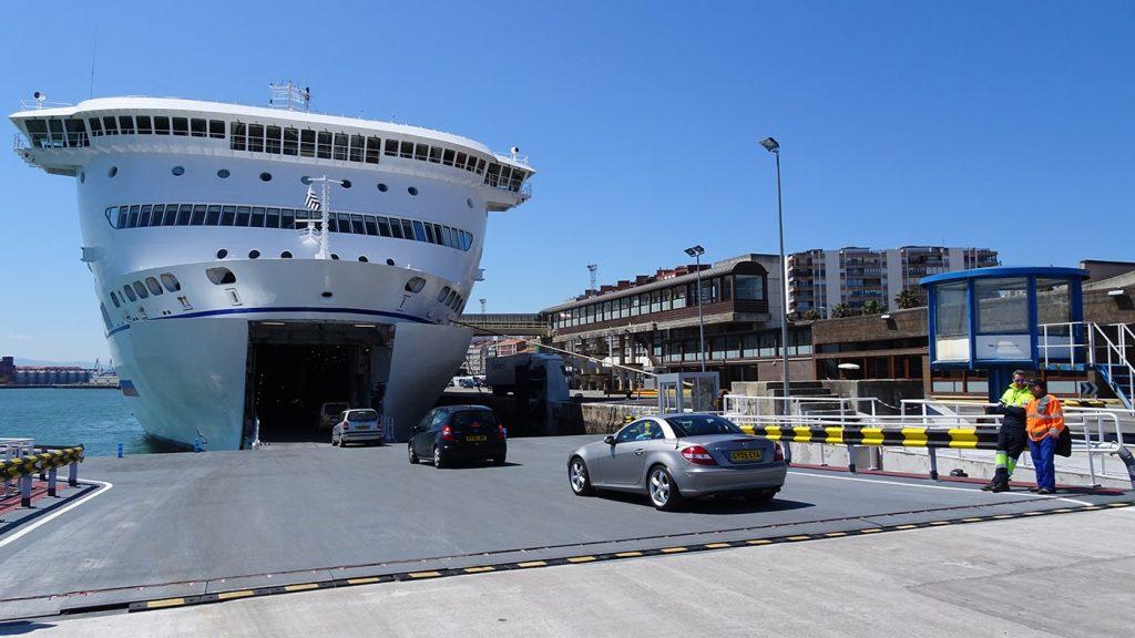 Zona carga Brittany Ferries puerto Santander
