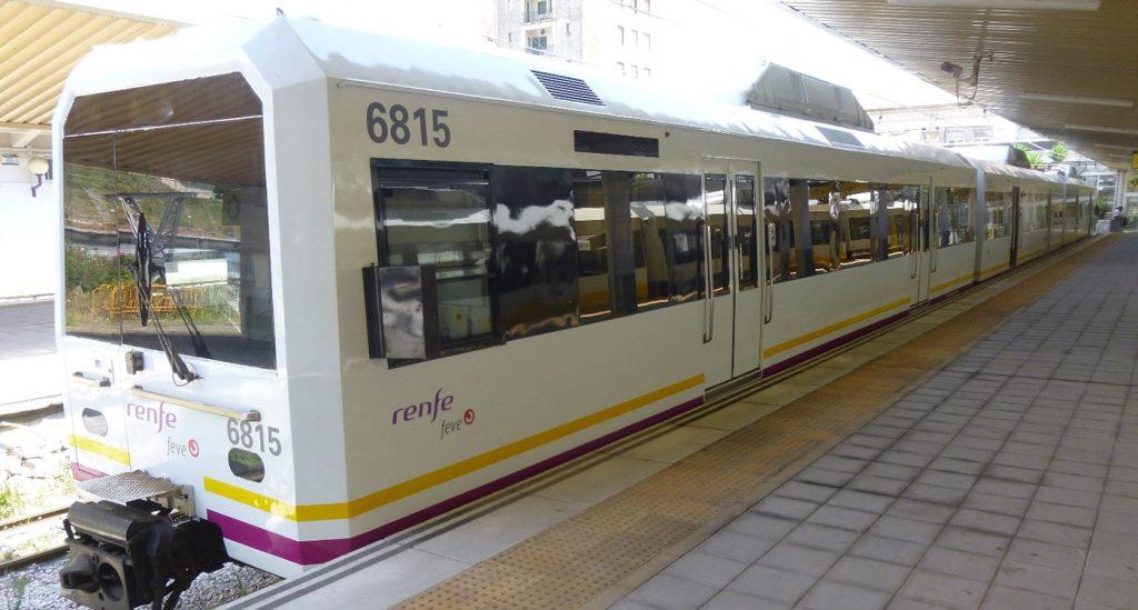 Uno de los trenes Bilbao-Santander