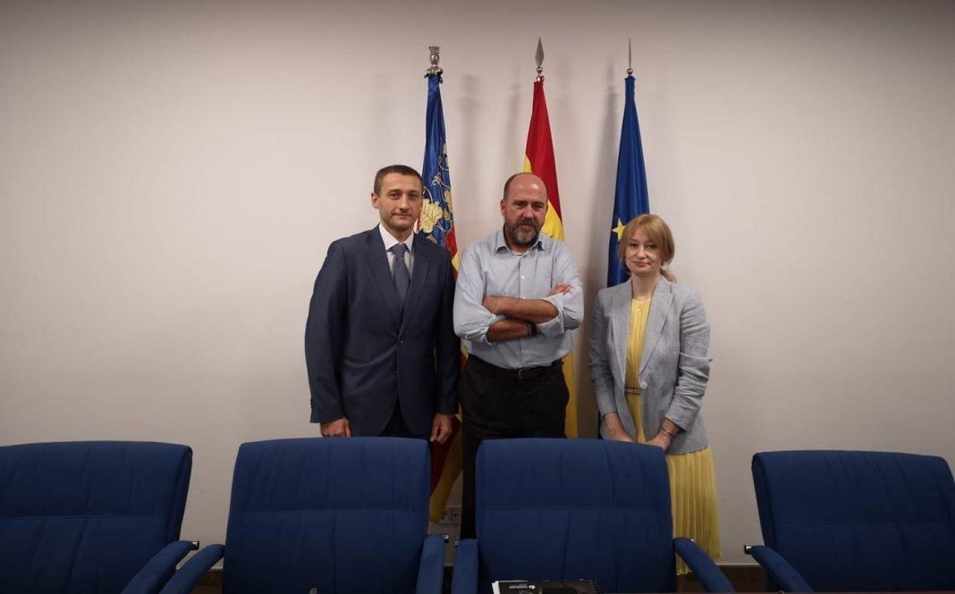 consul ucrania min