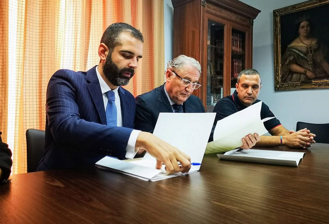 acuerdo puerto ayuntamiento almeria min e1571238633699
