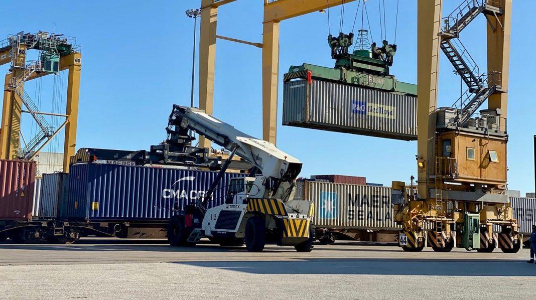 puerto valencia ferrocarril min e1571152645599