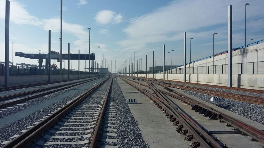 ferrocarril puerto de barcelona1 min