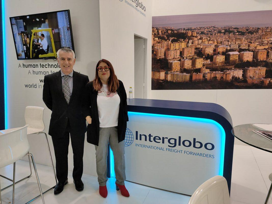 Jose Fuertes y Miriam Font en el stand de Interglobo min