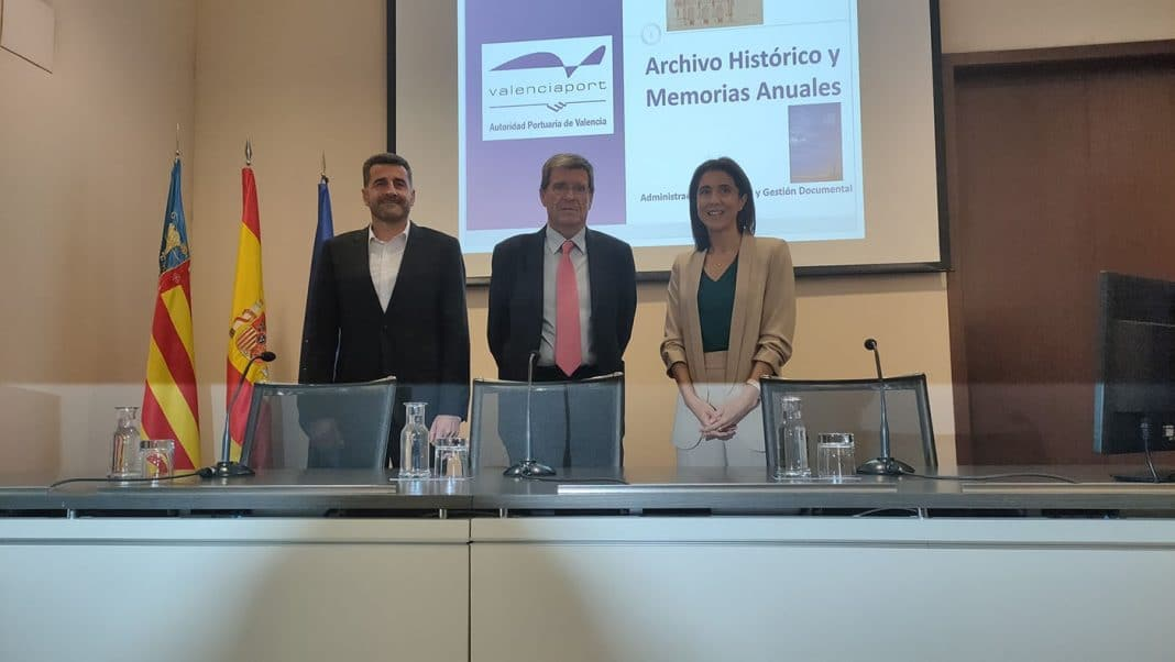 Hugo de Juan Aurelio Martínez y Pilar Lopez en la presentación de Publicarme min