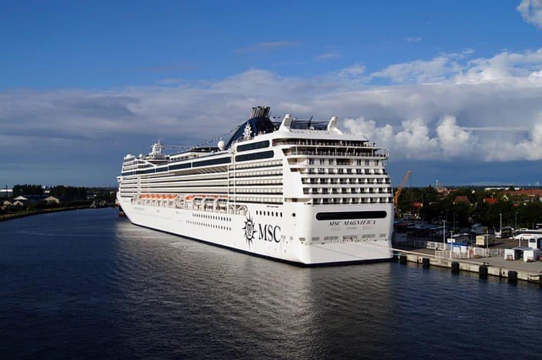 cruise 2860249 640 min