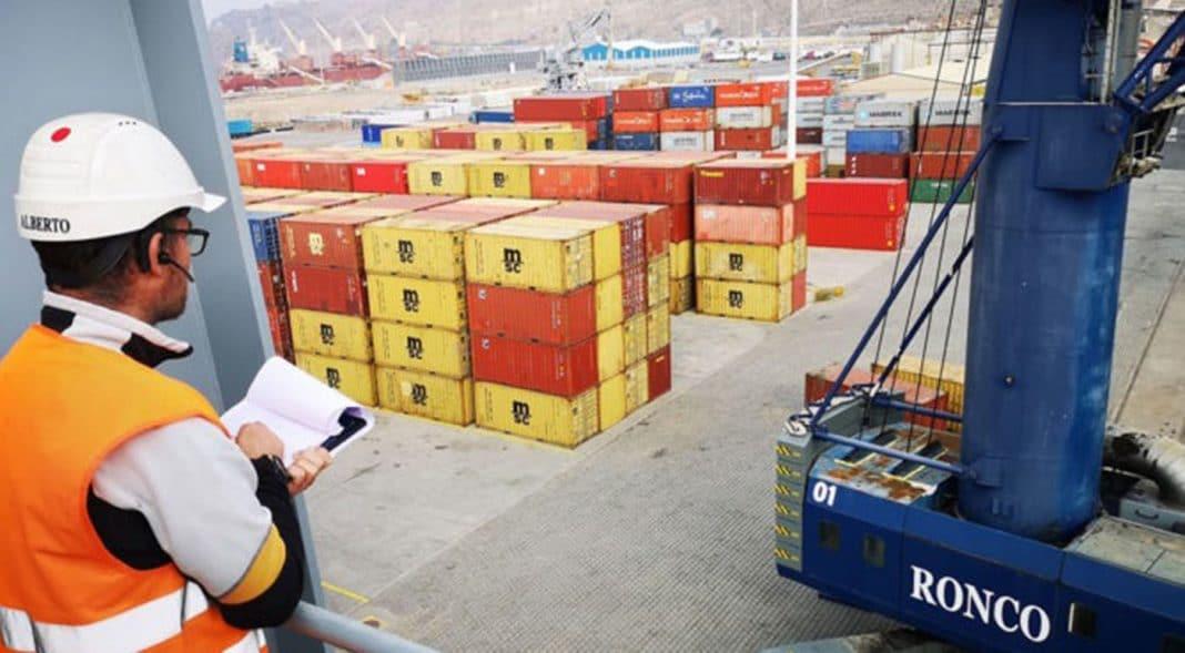 los operarios de la estiba portuaria trabajan de forma ejemplar para evitar desabastecimiento