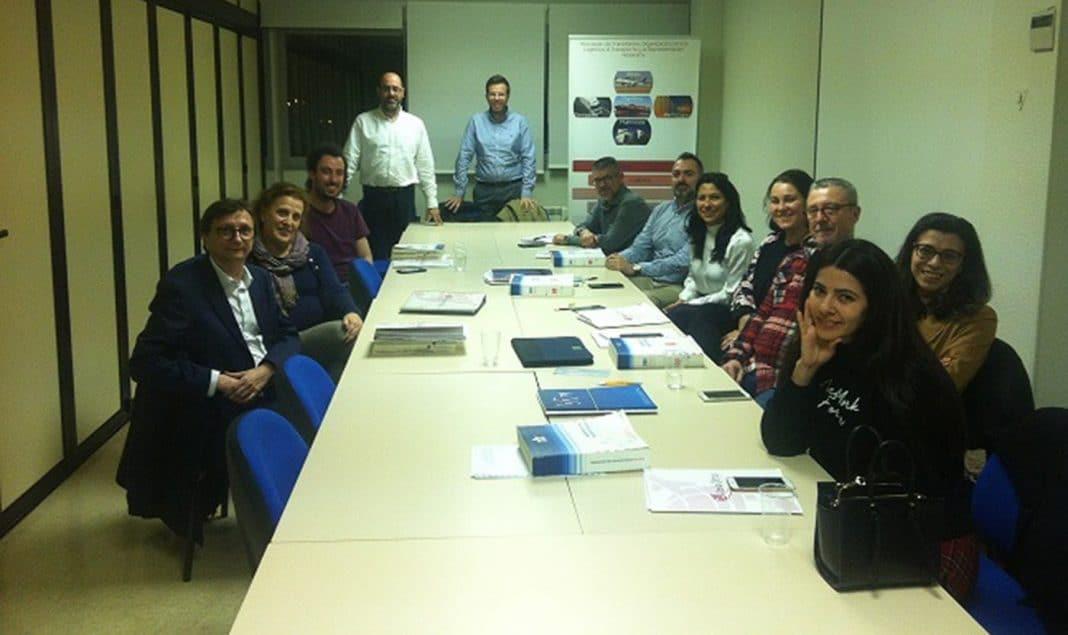 participantes del curso actualizacion en transporte aereo de mercancias peligrosas min e1583338237817