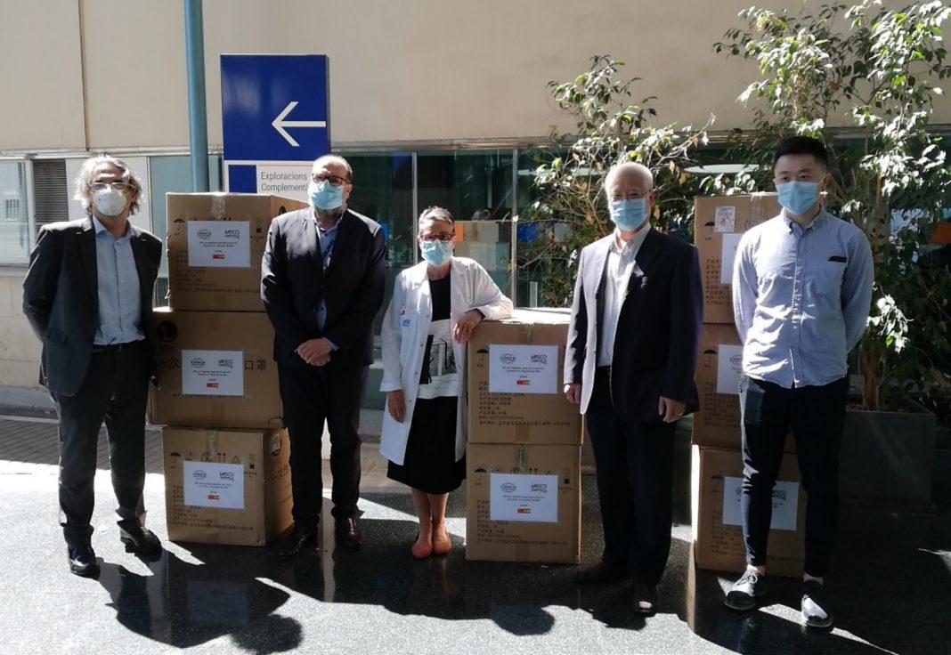 Cosco Shipping Lines entrega mascarillas Hospital del Mar min
