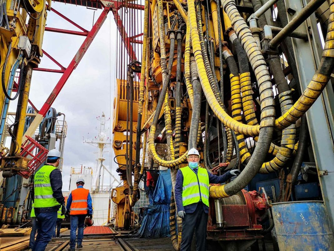 plataforma petrolifera almeria1 min