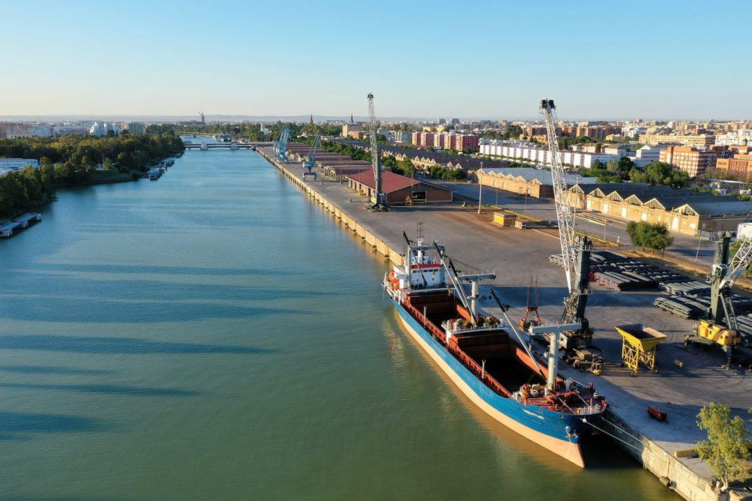 Buque Tablada puerto sevilla min