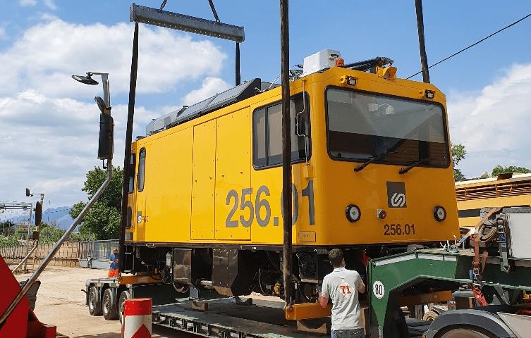 ferrocarrils locomotora dual min