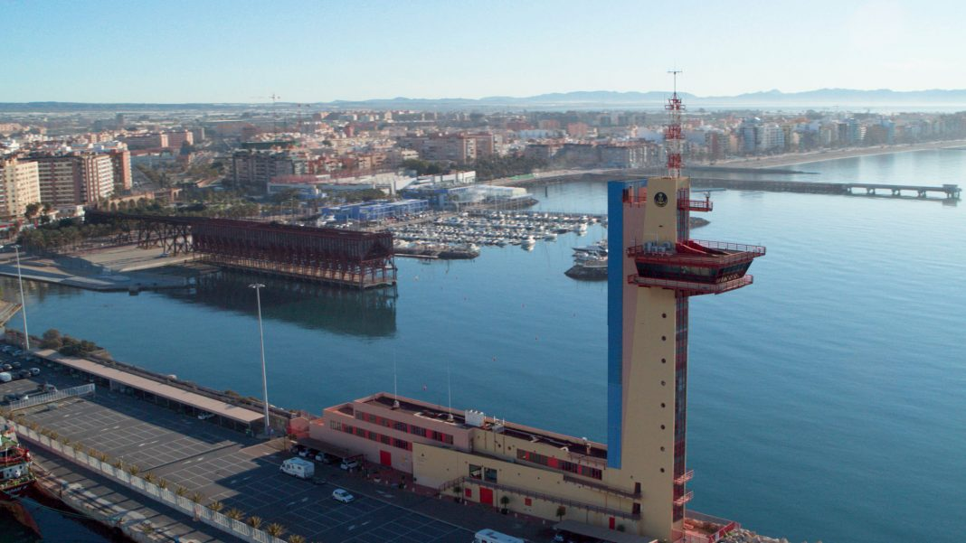 muelle levante puerto de almeria