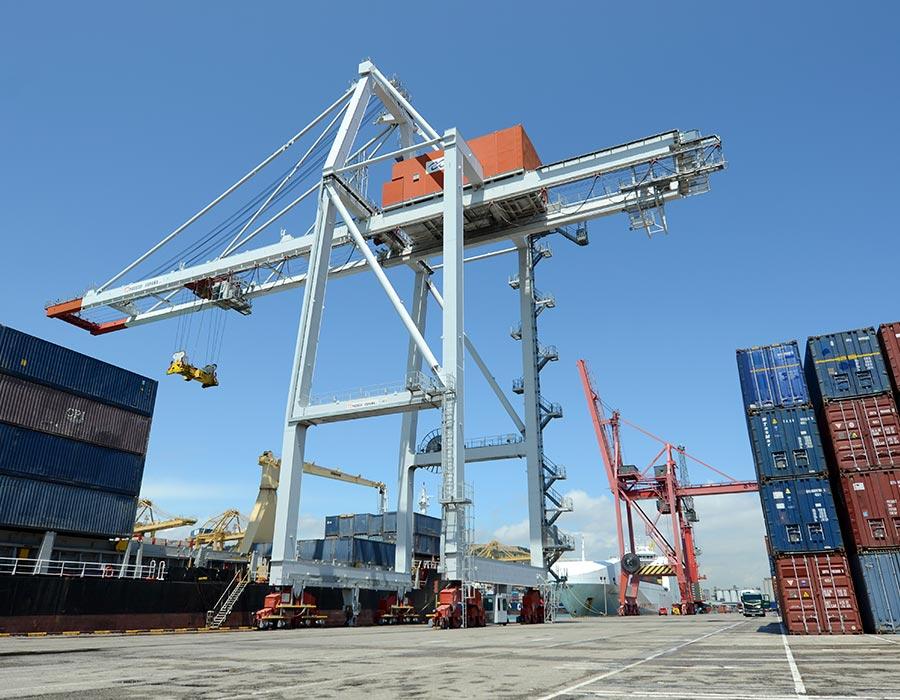 terminal port nou de berge en barcelona